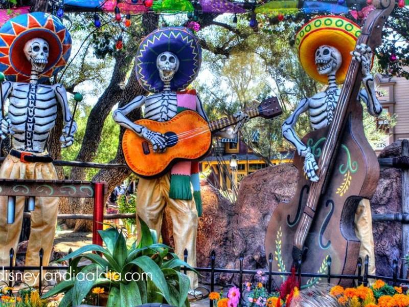 Día de Muertos Mariachi en Disneylandia