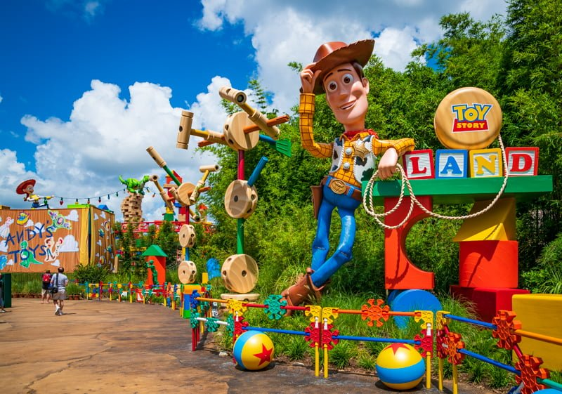 101 Great Disney World Tips   Disney Tourist Blog When visiting Walt Disney World  there are a lot of things that can save  you time and money  or improve the quality of your vacation