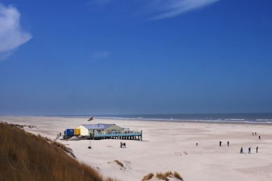 Het Heartbreak Hotel op het schitterende strand van Terschelling-Oost!