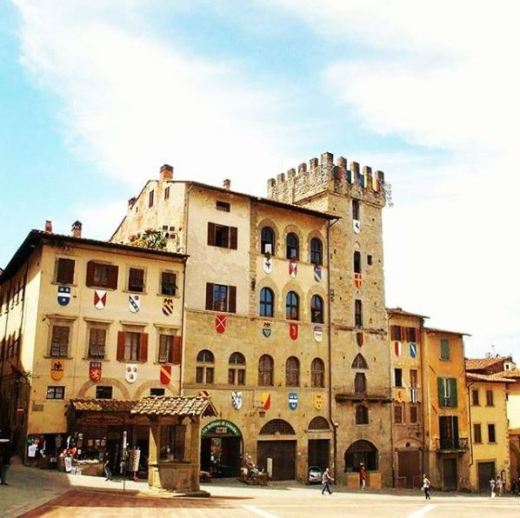 Is dit het mooiste plein van Toscane? Ik vind van wel!