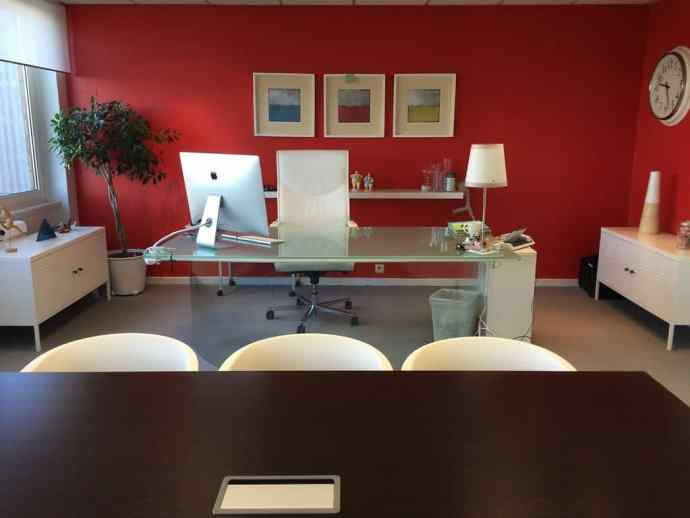 How Setting Up Your First Office Isn't As Scary (Or Expensive) As You Think