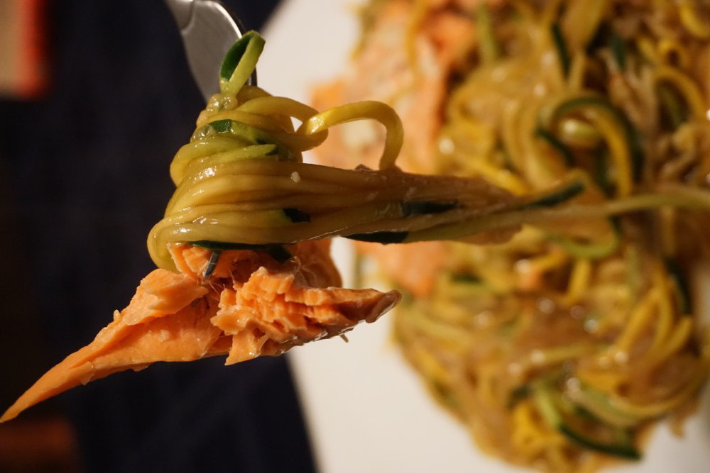 thai salmon recipe with zoodles