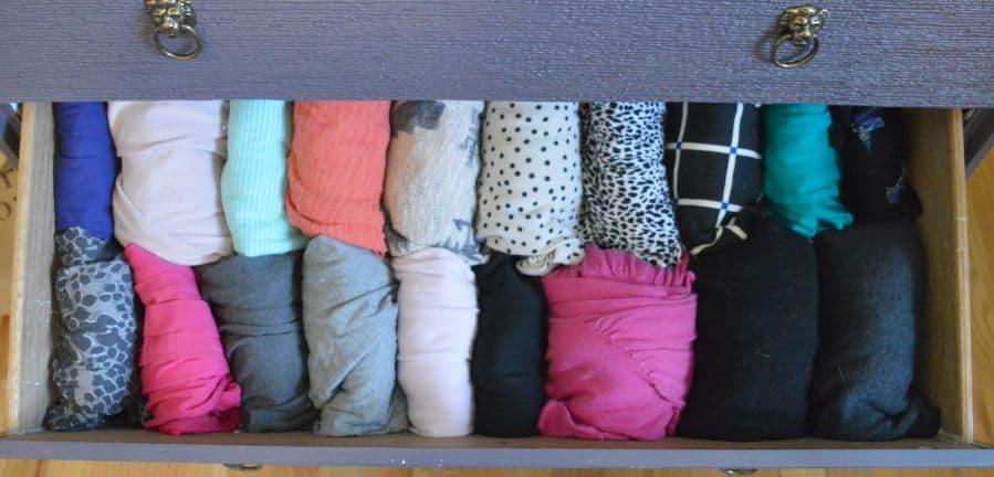 Decluttering The Closet : KonMari Week 2 #SparkingJoy