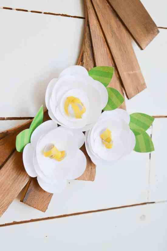 How to make Paper Flowers with a Silhouette