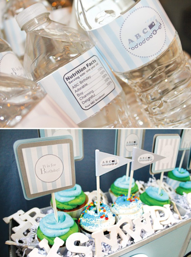alphabet-birthday-water-bottles-and-cupcakes