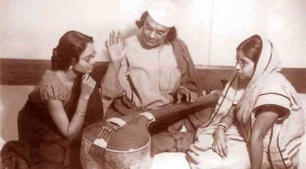 জাতীয় কবি নজরুল ইসলামের ১১৭ তম জন্মবার্ষিকী বুধবার