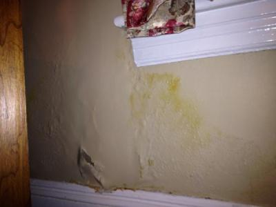 Plaster wall damage under window - DoItYourself.com Community Forums
