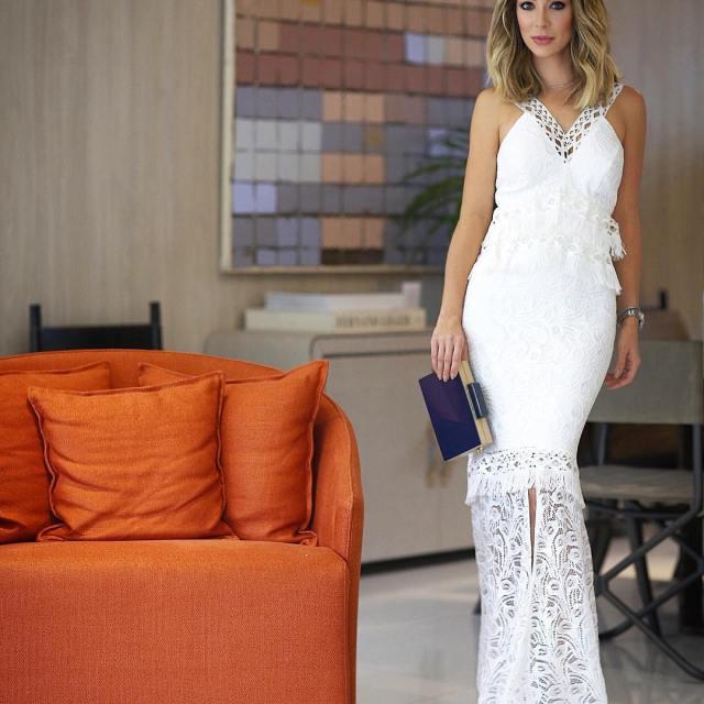 Finalizando o dia com esse look maravilhoso! Que vestido hellip
