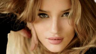 8 Cara Mendapatkan Bibir Tebal Tanpa Suntikan