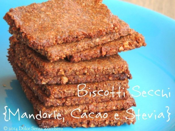 Biscotti secchi mandorle cacao e stevia 4 photo