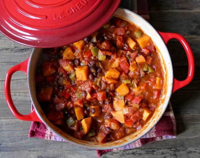 Black-bean-and-sweet-potato-chili