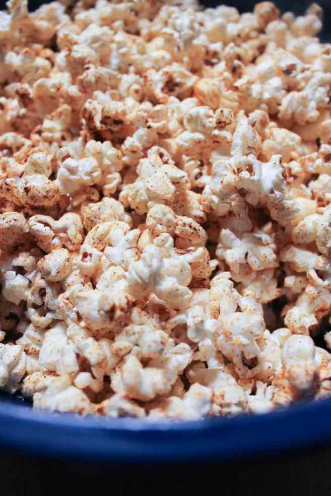 vegan-dark-chocolate-chipotle-stovetop-popcorn-step-4
