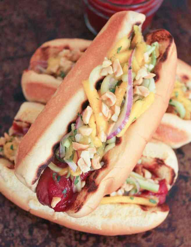 Grilled-Beef-Hot-Dogs-with-Mango-Cucumber-Slaw-and-Srirachup-7