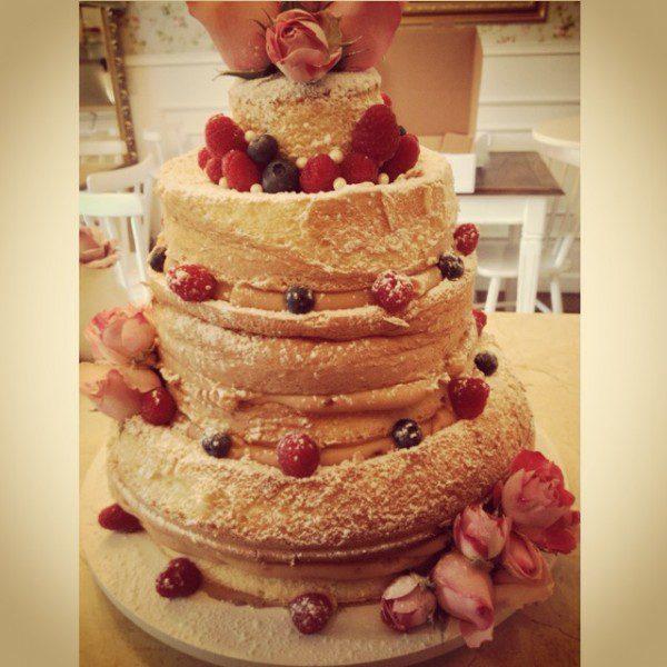 naked_cake_brigadeiros_by_cousins