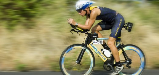 triathalon-cycling-racer-618750_1280