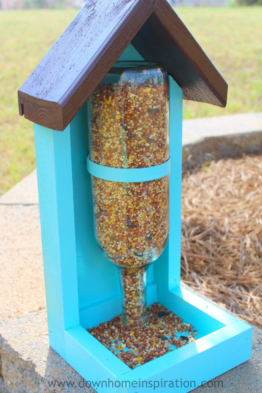 wine-bottle-bird-feeder-8