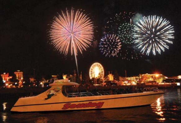 SD_Chi_exterior9_Fireworks