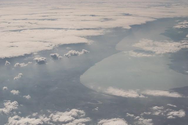 Carpații Meridionali fotografiați din avion la final de iarnă 2