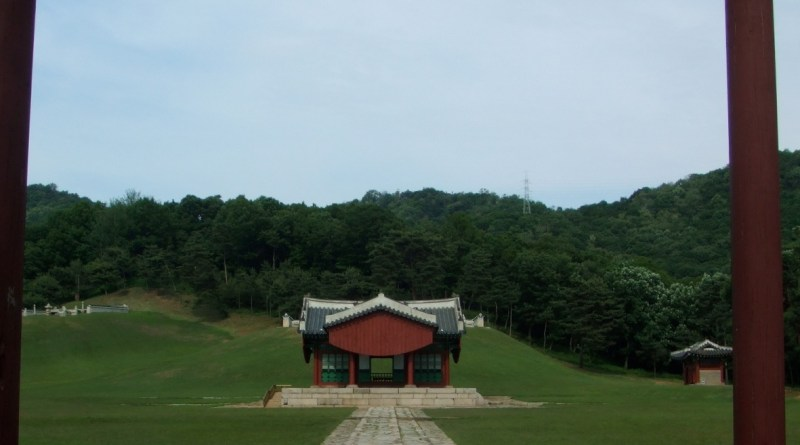 King Sukjong's Tomb1