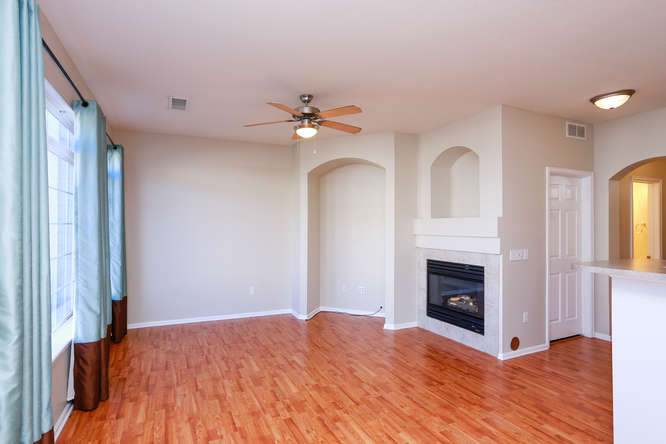 20455 E Quincy Dr Aurora CO-small-003-2-Living Room-666x444-72dpi