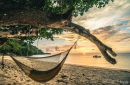 Hammock overlooking the beach in Mañana Borneo Resort. Sabah. Malaysia