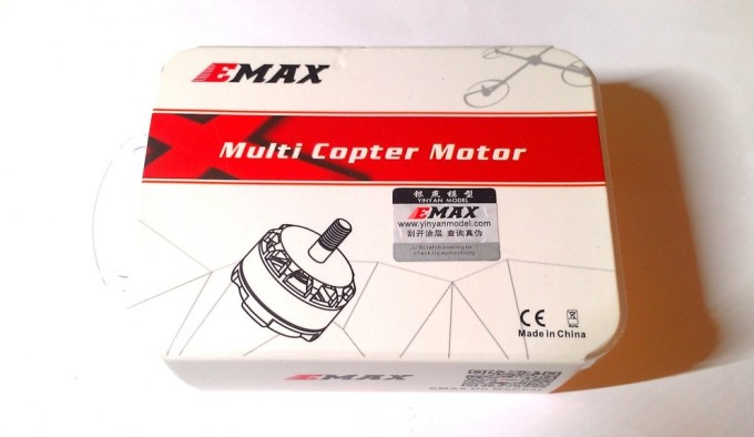 emax-rs2205-2300kv-2600kv-motor-box-package