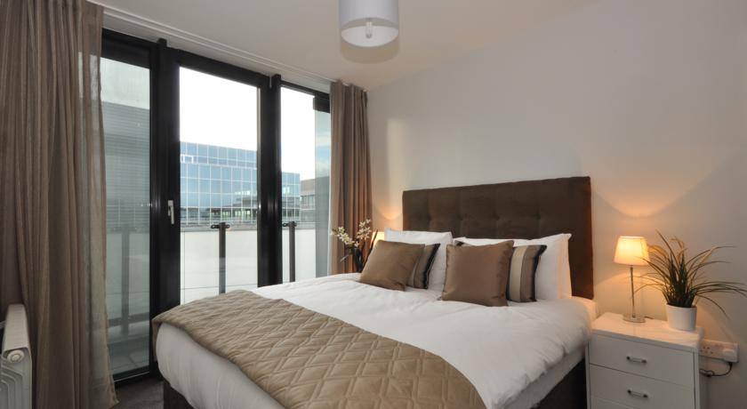 your-base-dublin-grand-canal-square-38379832