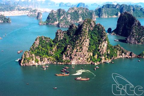 Vẻ đẹp vịnh Hạ Long ở Quảng Ninh.