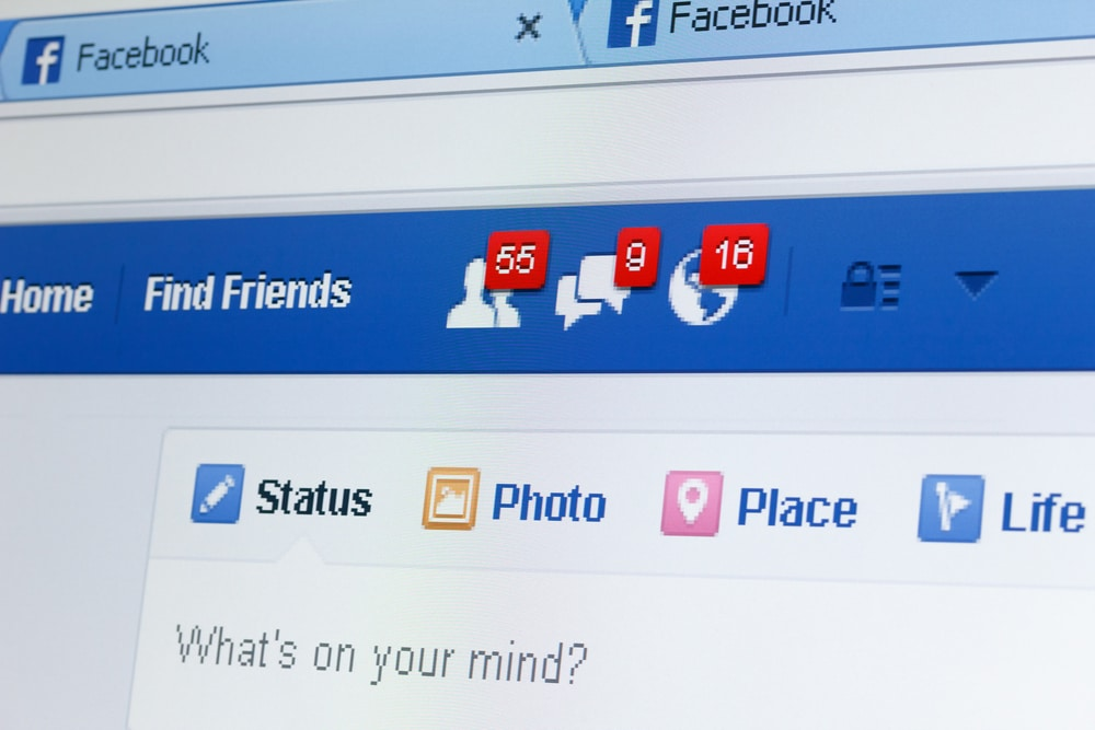 An enteprise social network by Facebook : is it a joke ?