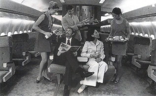 Serviço de bordo nos DC-10-30, que servia as rotas intercontinentais (Arquivo/Varig)