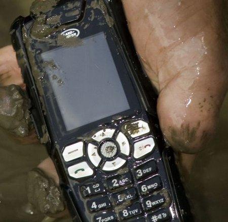 phone+muddy.jpg
