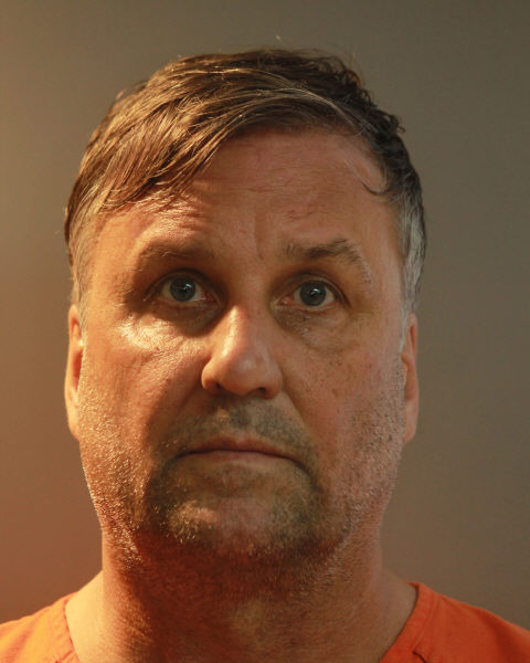 Florida: Timothy Alan Lundy charged with DUI manslaughter; killed David McCausland after blasting down Vodka at Hooters
