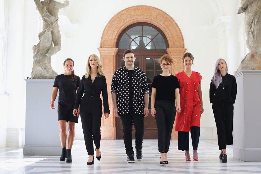 Die Preisträger des European Fashion Award FASH 2017: Hannah Kliewer, Sonja Litichevskaya, Andreas Stang, Livia Honus, Lea Schweinfurth und Katja Skoppek (von links). Foto: © Bernhard Ludewig / SDBI