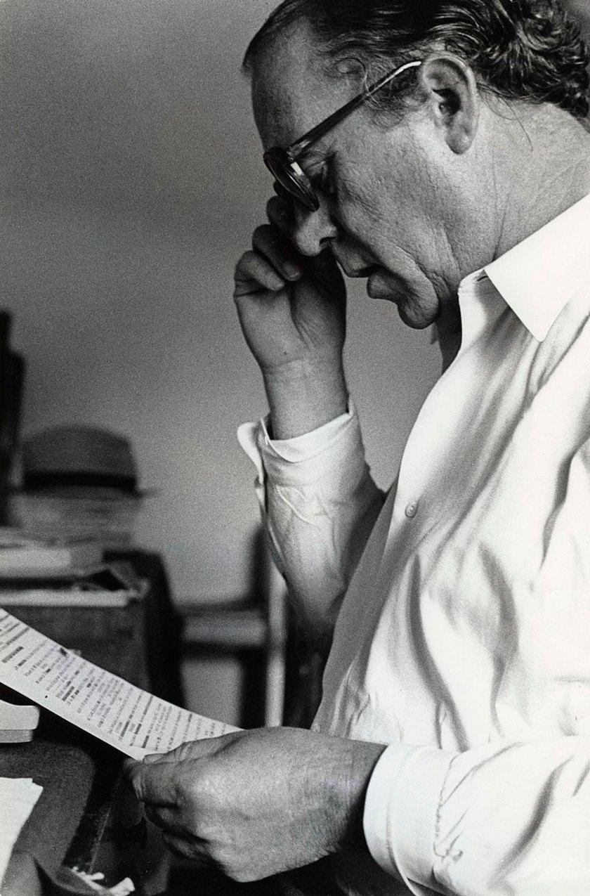 Heinz Held, Heinrich Böll with manuscript, 1953, © Museum Ludwig, Cologne, Photo: Rheinisches Bildarchiv Köln, Cologne