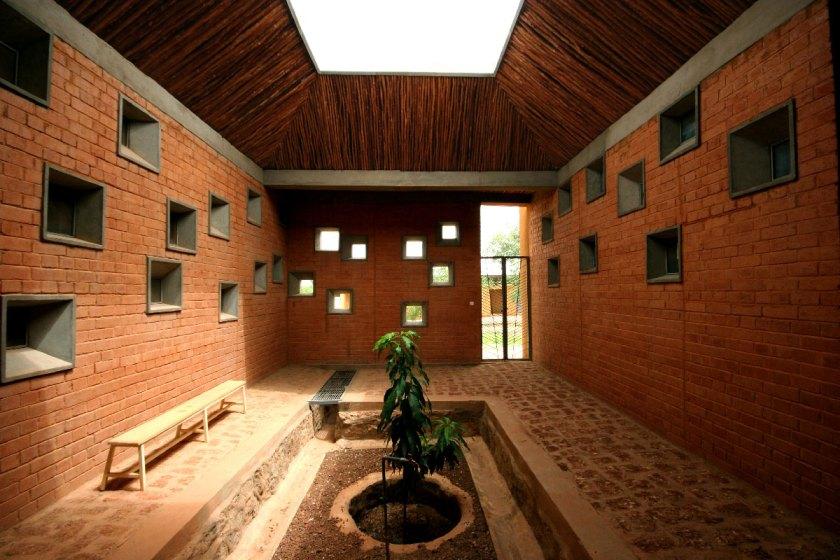 Centro de salud y promoción social, Laongo, Burkina Faso (2010-2014) © Kéré Architecture