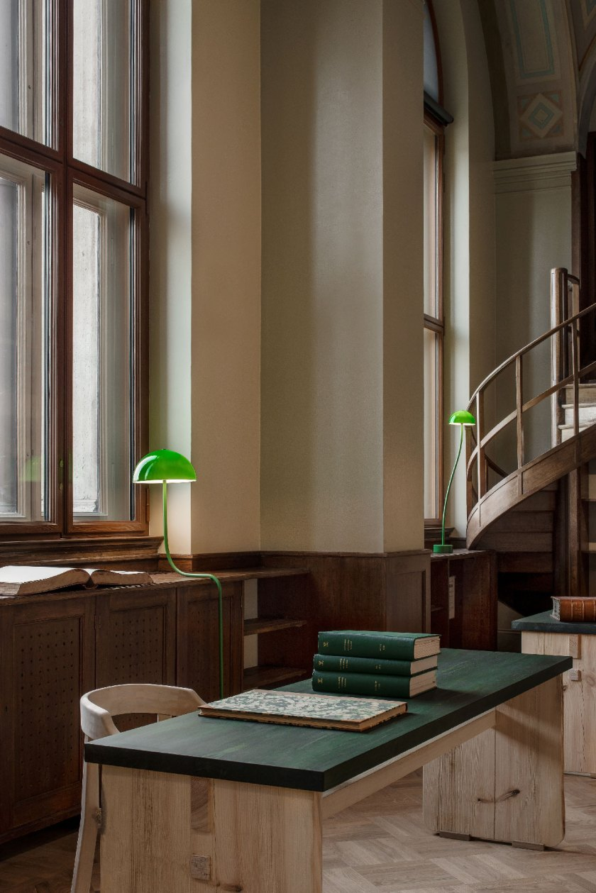 Front_Nationalmuseum_LibraryLamps_08