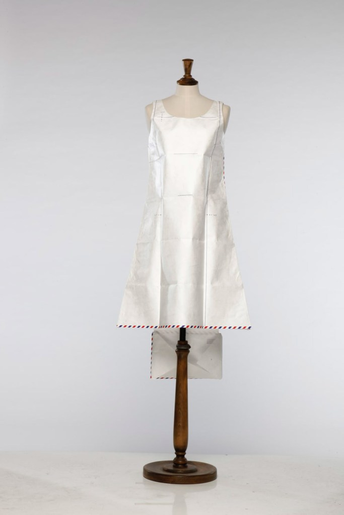 Papel_Moda_Hussein_Chalayan_Airmail_Dress_01