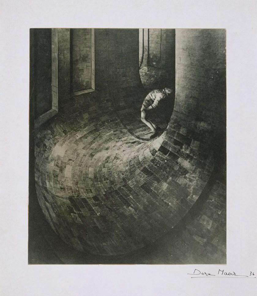 dora_maar_the_simulator_1936_musee_national_dart_moderne_-_centre_pompidou_paris_france_copyright_estate_of_dora_maar_slash_dacs_2019_all_rights_reserved