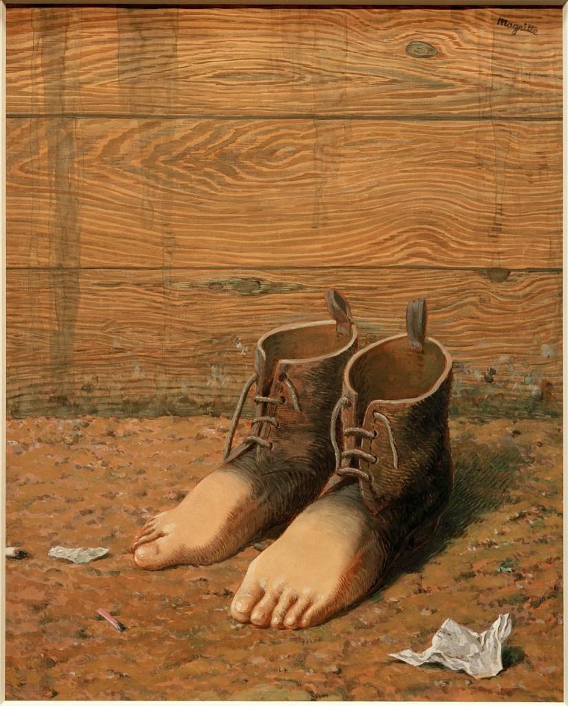 surrealismo-y-diseno-una-cosa-debe-ser-siempre-lo-que-parece-caixaforum-bcn-06