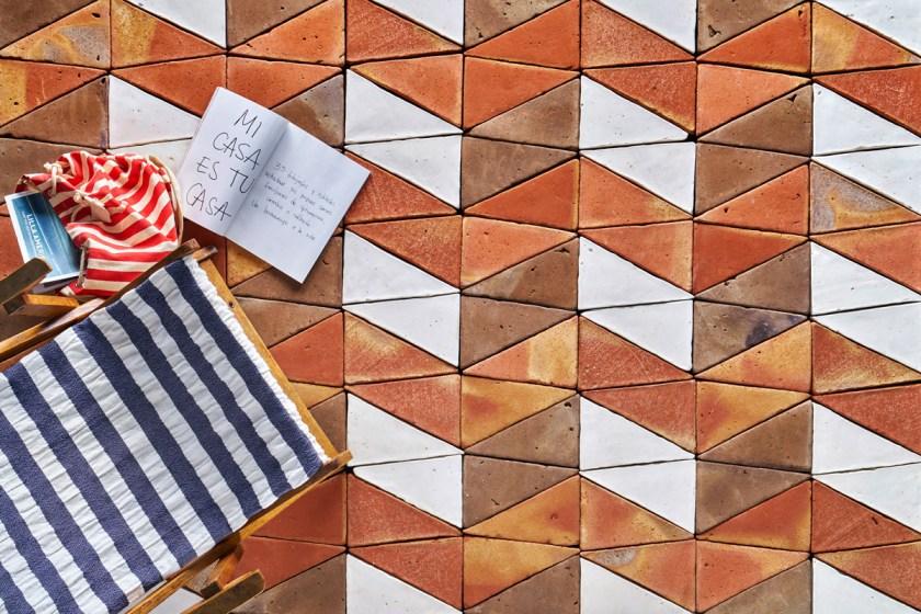 Colección NERJA, para todobarro. Diseño: Carlos Jiménez.