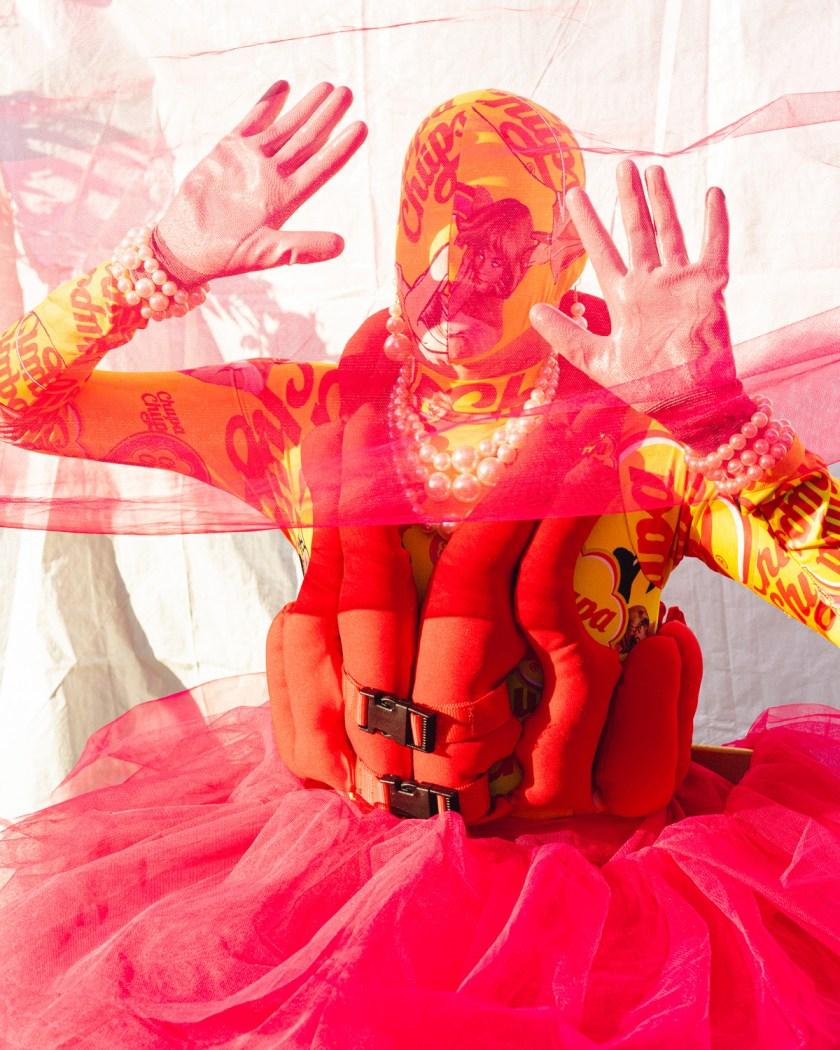 DXI-magazine-genis-betrian-los-artistas-somos-expertos-en-romper-las-normas-y-sobrepasar-los-limites-09