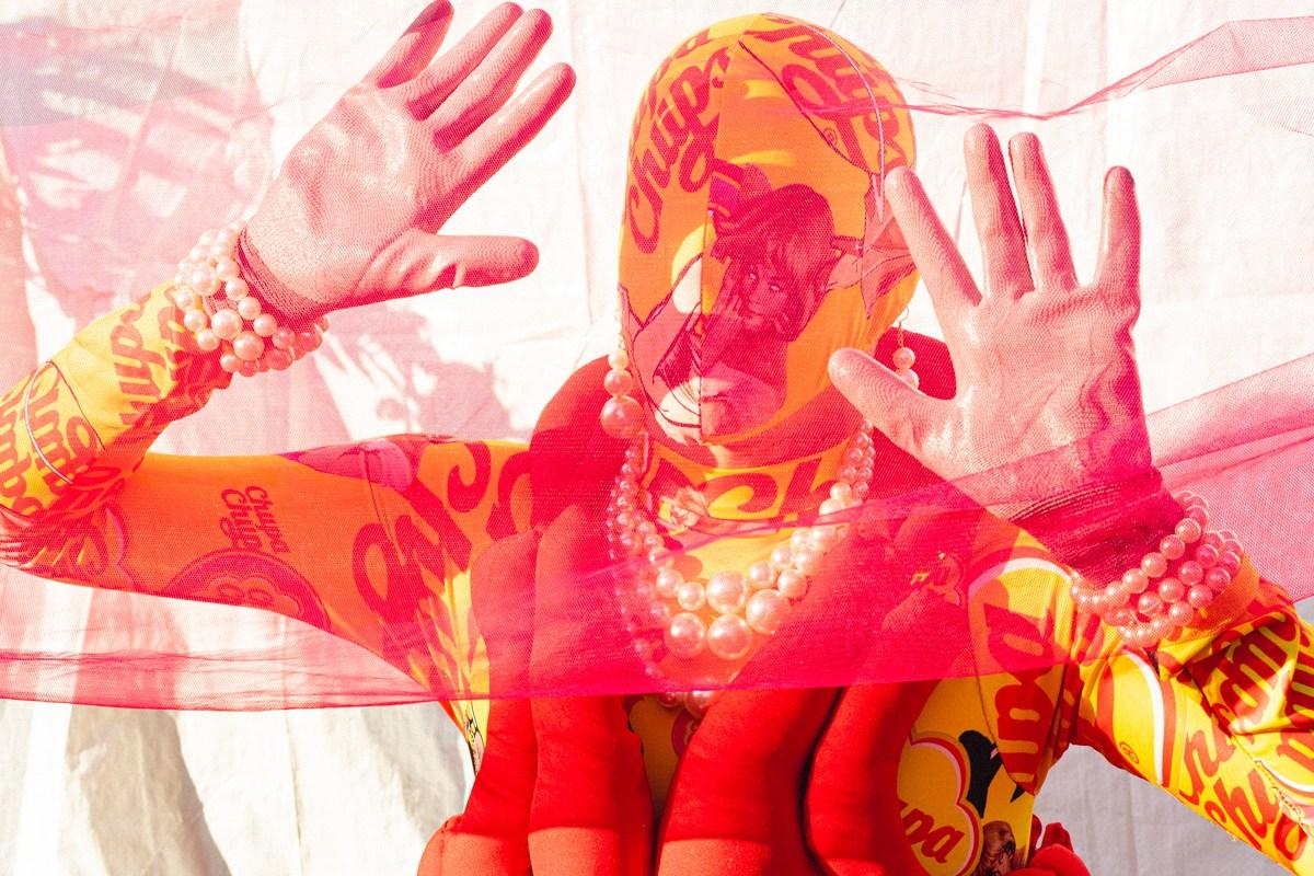 DXI-magazine-genis-betrian-los-artistas-somos-expertos-en-romper-las-normas-y-sobrepasar-los-limites-18