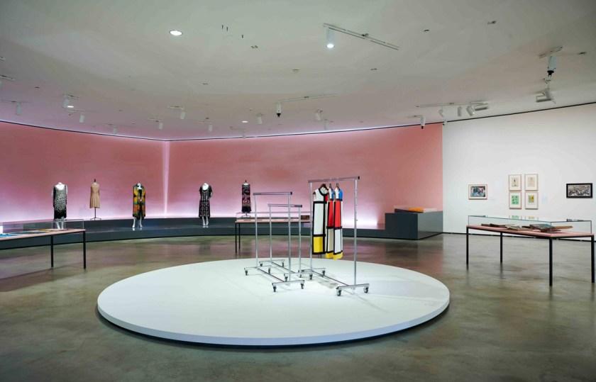 los-locos-anos-veinte-y-el-deseo-de-vivir-Guggenheim-Bilbao-09