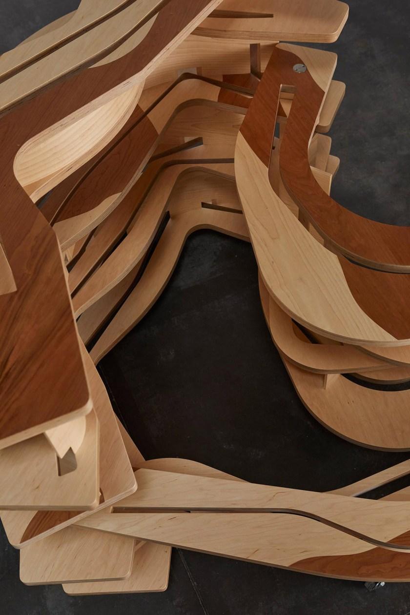 Estantería 'Lelukaappi' inspirada en la obra del arquitecto Alvar Aalto