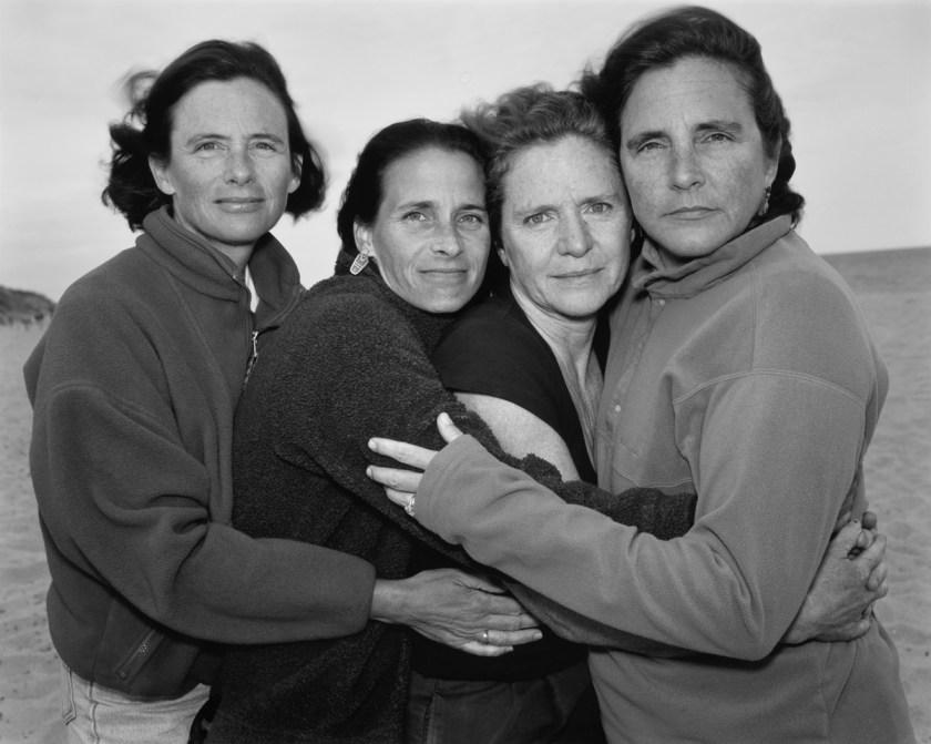 BROWN-SISTERS-Nicholas-Nixon-2000