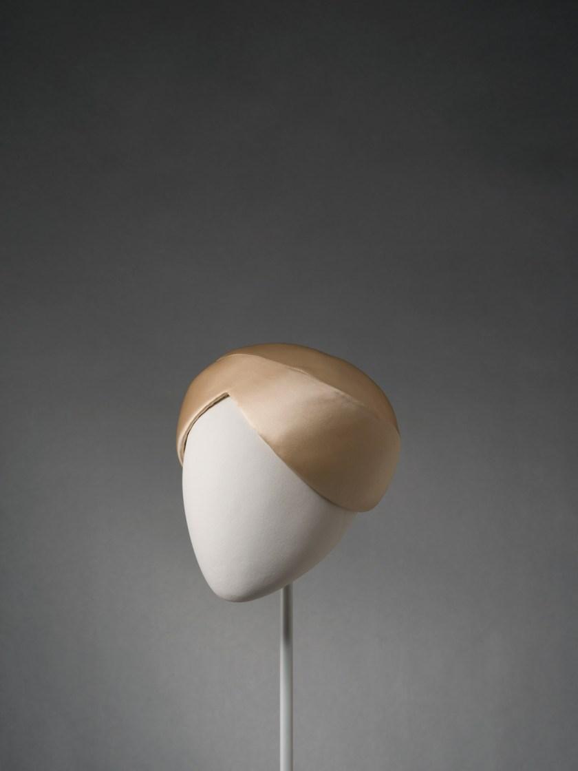 el-sombrero-balenciaga-el-complemento-perfecto-09