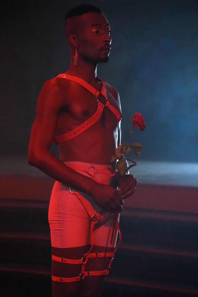 Jacopo Miliani, La discoteca, Kenjii Benjii on the set of the film, 2021. Photo © Sara Scanderebech.
