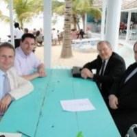 Keith House advises islanders on Democracy