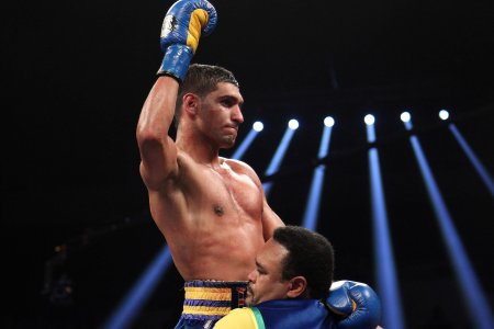 Khan beats Molina, calls out Danny Garcia after fight