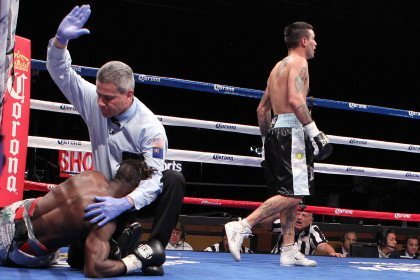 Matthysse stops Ajose in 10th!